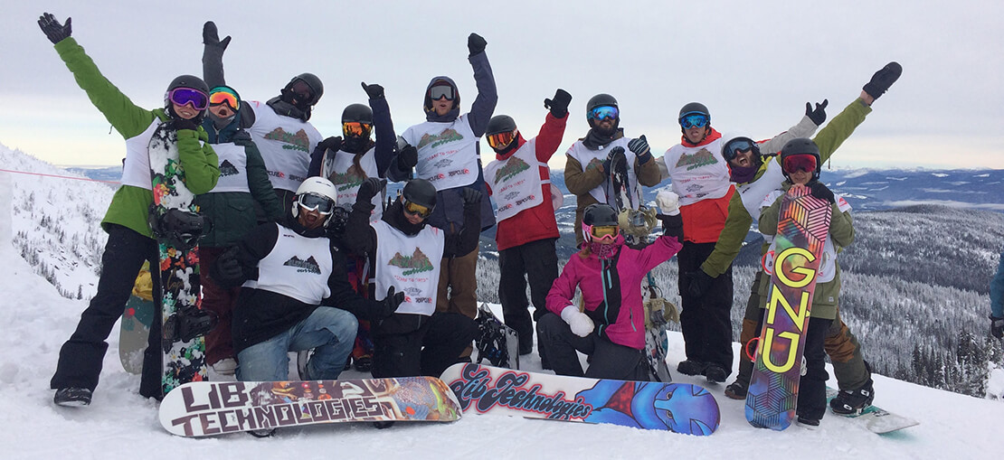 Elevation Kids Volunteers Snowboarding Group Shot